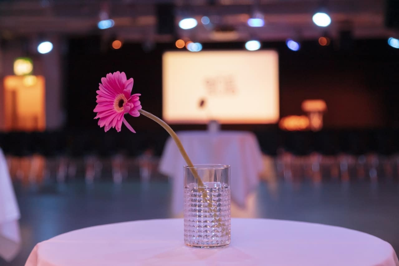 Tagungen und Konferenzen - eins0eins